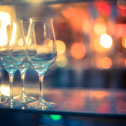 JUVINALE Celeberation: Congrats & free Drinks für alle Einreicher*innen @ Fungo's Bar